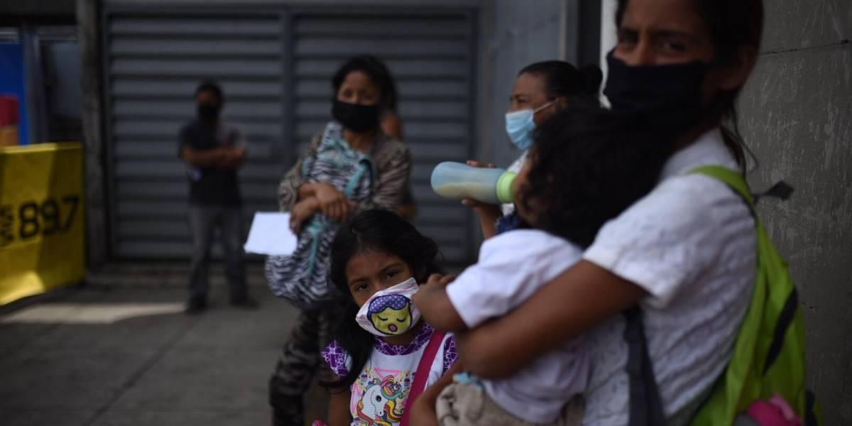 Corazones Solidarios lleva esperanza a familias en Santa Catarina Pinula