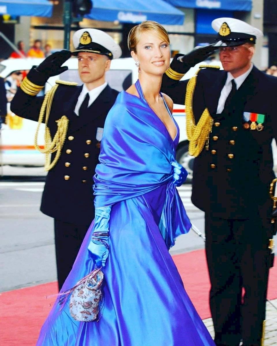 El rojo, el color preferido de la reina Letizia con el que deslumbra en sus outfits