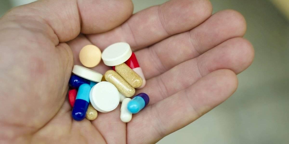 Técnicos de Farmacia reclaman al Gobierno bono por el COVID-19