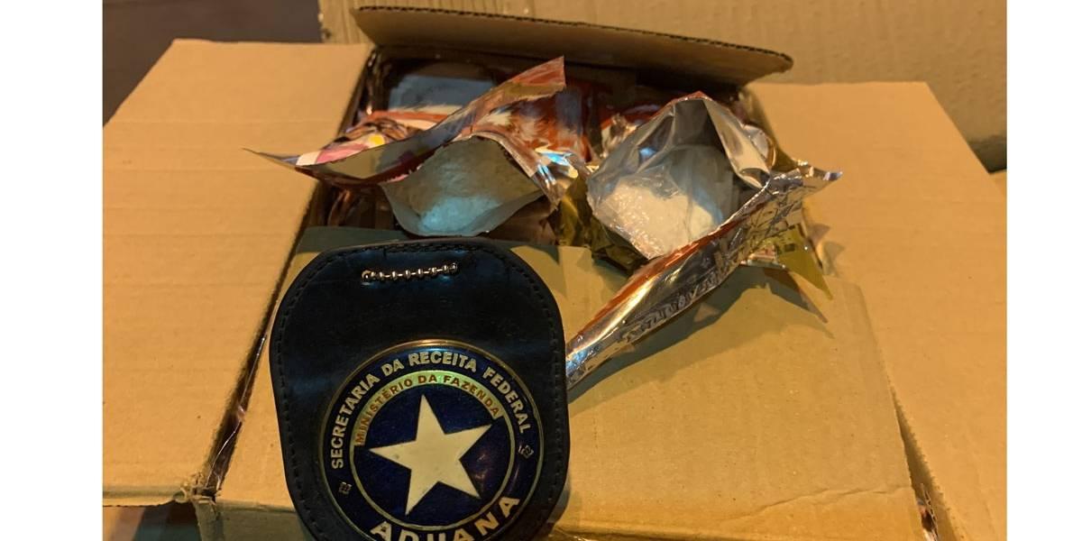 Carga de coco ralado tinha 3 kg de cocaína escondida