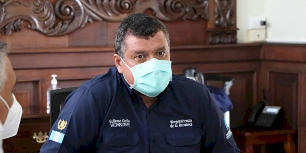 Vicepresidente señala falta de interés de médicos para ocupar plazas en hospitales