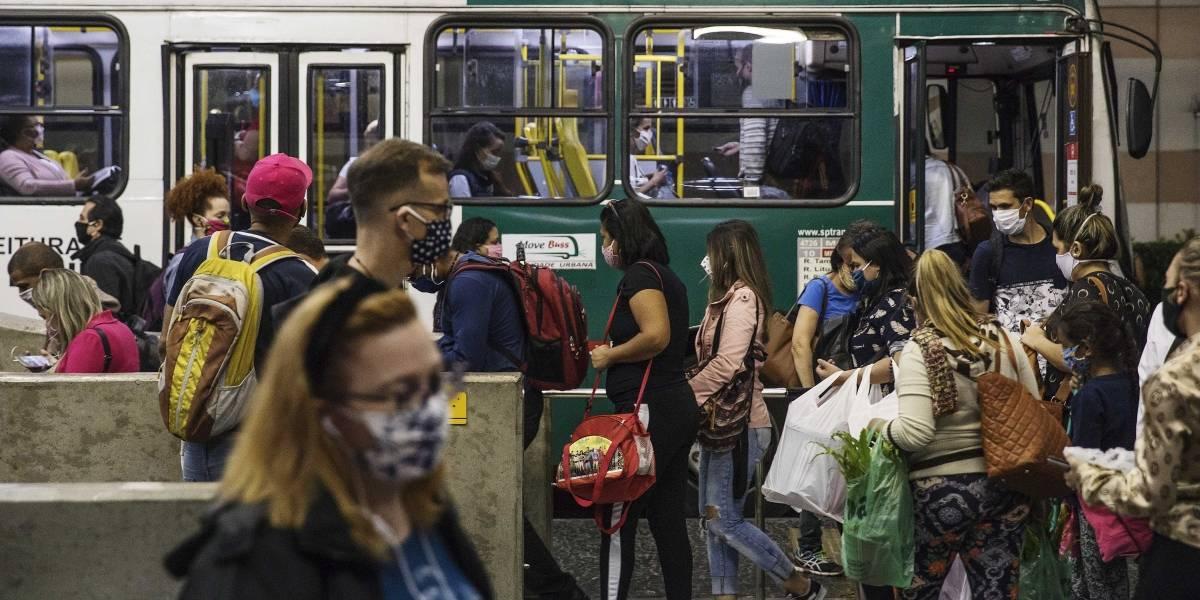 Com rodízio de veículos, isolamento social em São Paulo aumenta pouco na segunda
