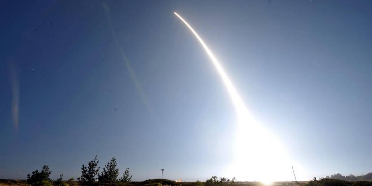 ¿Un asteroide? Enorme objeto pasa sobre Nueva York y cae en el Atlántico
