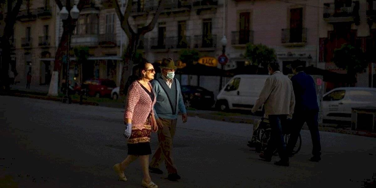 España exigirá que visitantes pasen 14 días en cuarentena