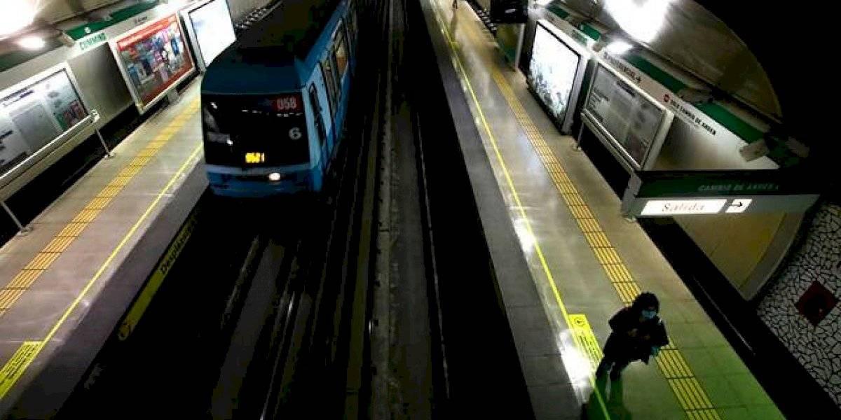 INE: Metro de Santiago registra caída de 52,9% de pasajeros en marzo por la pandemia de coronavirus