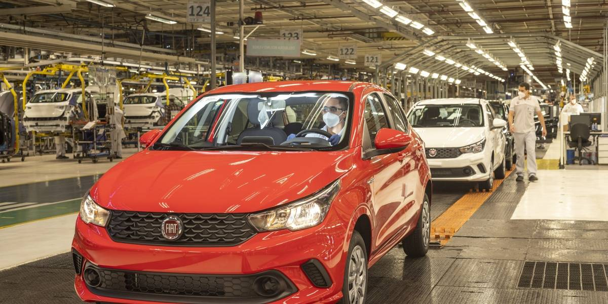 Fiat retoma produção de automóveis no Brasil