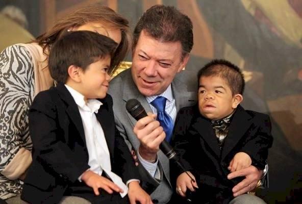 Edward Niño junto a Juan Manuel Santos en 2010
