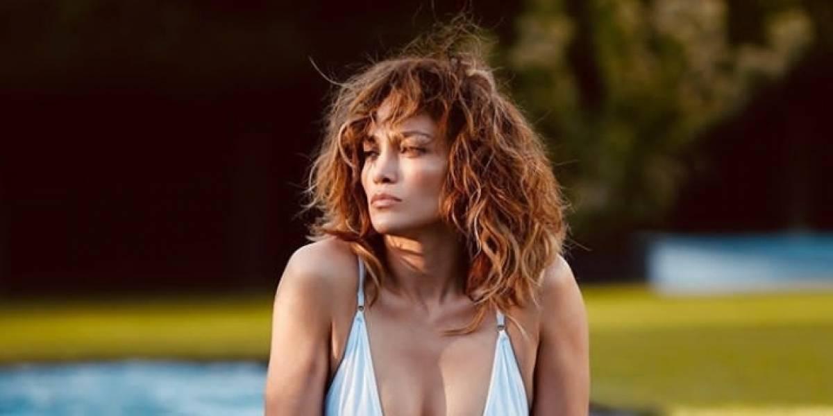 Jennifer Lopez demuestra su cuerpazo con ajustado vestido