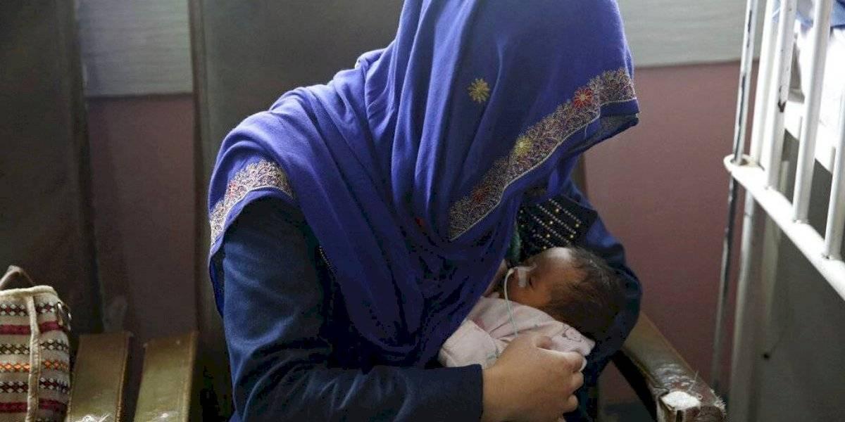 Suben a 24 los muertos por ataque contra hospital afgano