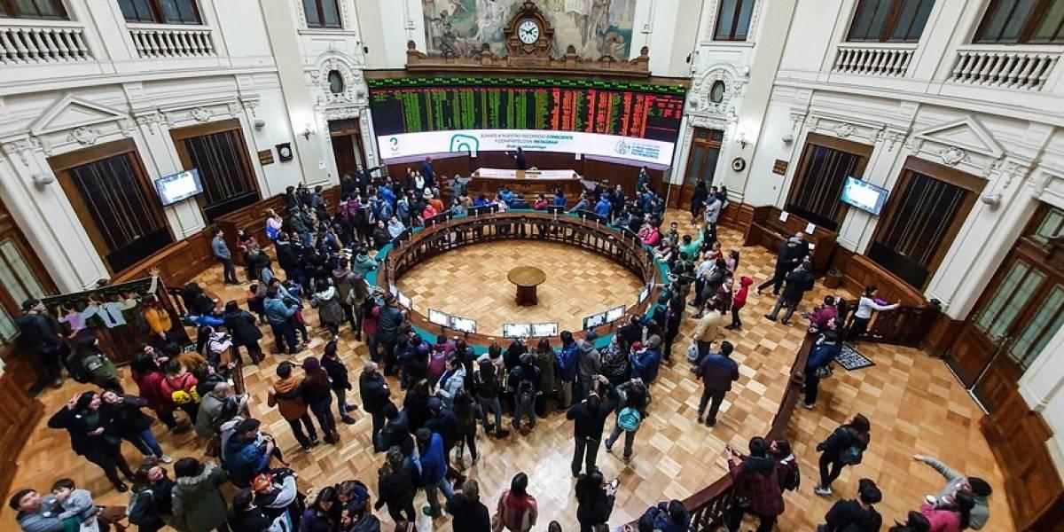 La Bolsa de Santiago se desploma tras un nuevo anuncio de cuarentena total