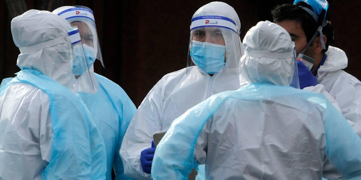 """Sociedad de Infectología por suspensión de test PCR: """"En abril le avisamos al Minsal este riesgo de carencia de insumos"""""""