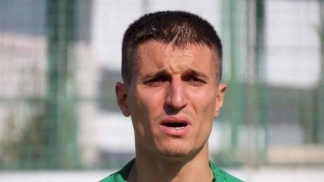 Futbolista turco que asesinó a su hijo de 5 años con síntomas de coronavirus