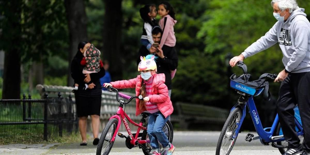 Gobernador de Nueva York alerta sobre enfermedad relacionada con COVID que ya afecta a casi 100 niños