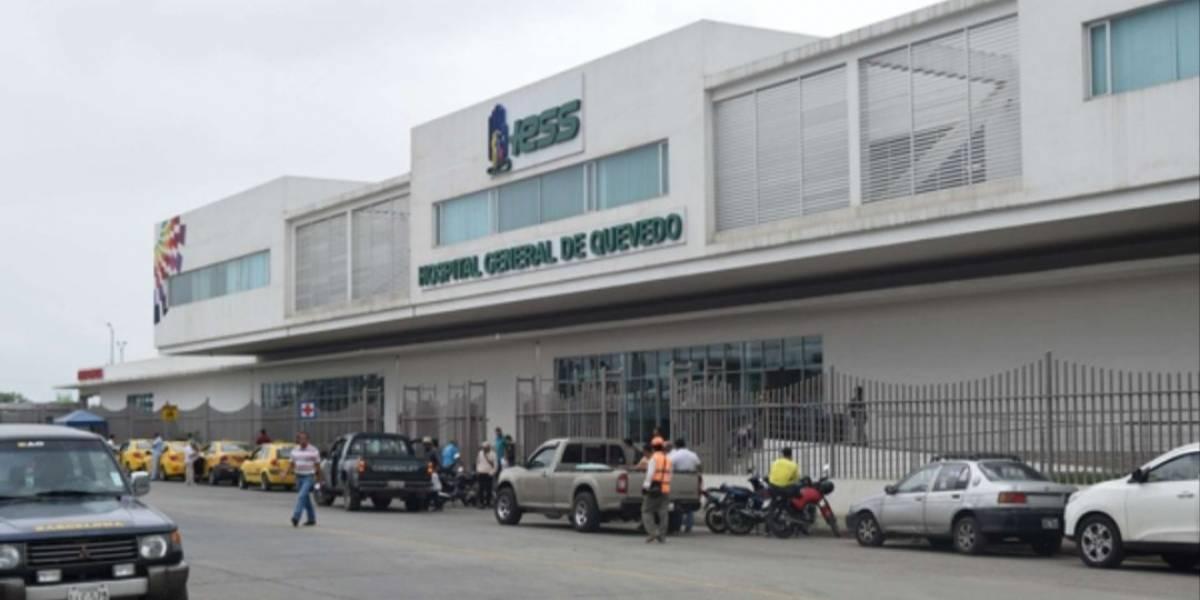 Allanan Hospital del IESS en Quevedo por presuntas irregularidades en contratación y compra de insumos
