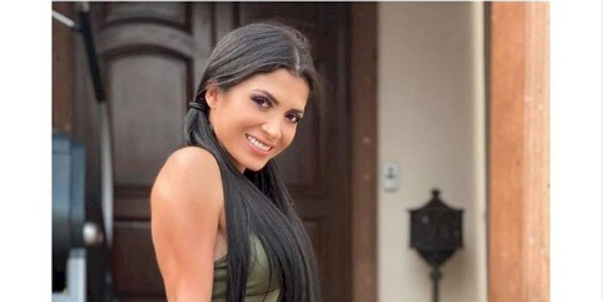 Kim Flores presume abdomen de impacto en diminuto bikini