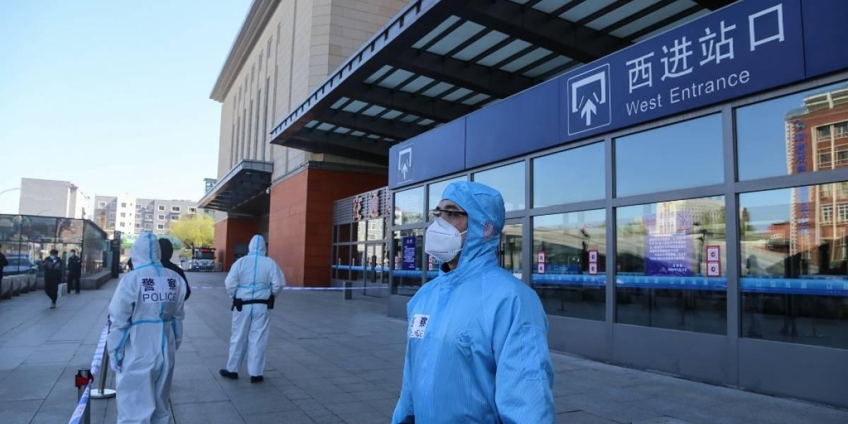 Reimponen confinamiento en ciudad china tras detección de nuevos casos de COVID-19