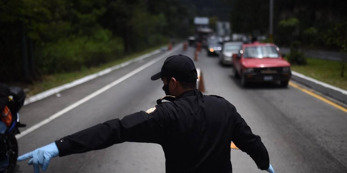 EN IMÁGENES. Tránsito vehicular aumenta por controles de autoridades