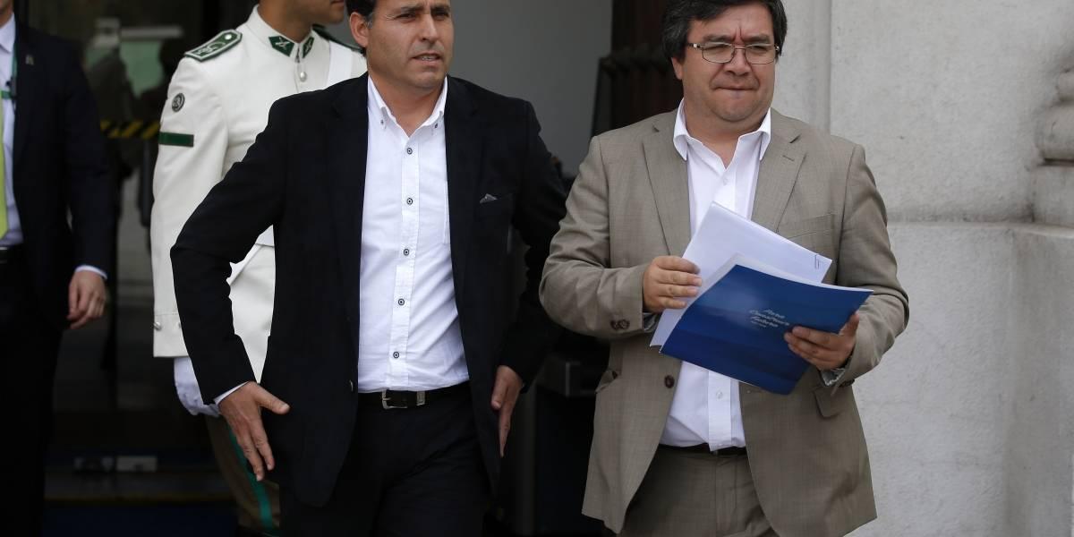"""Los """"olvidados"""" por Mañalich: alcaldes de comunas metropolitanas fuera de cuarentena están preocupados"""
