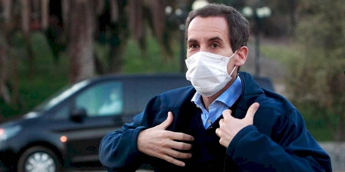 La propuesta del alcalde de Santiago para controlar el coronavirus: adelantar toque de queda y cerrar la ciudad los fines de semana