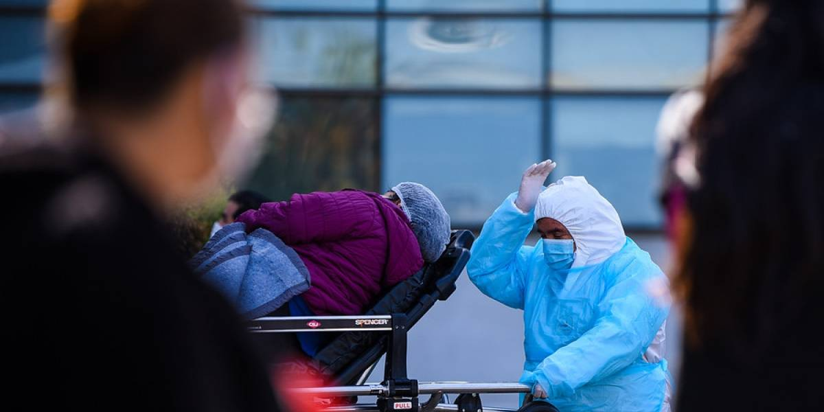 Minsal confirma el traslado de pacientes con covid-19 a Concepción para desocupar camas en Santiago