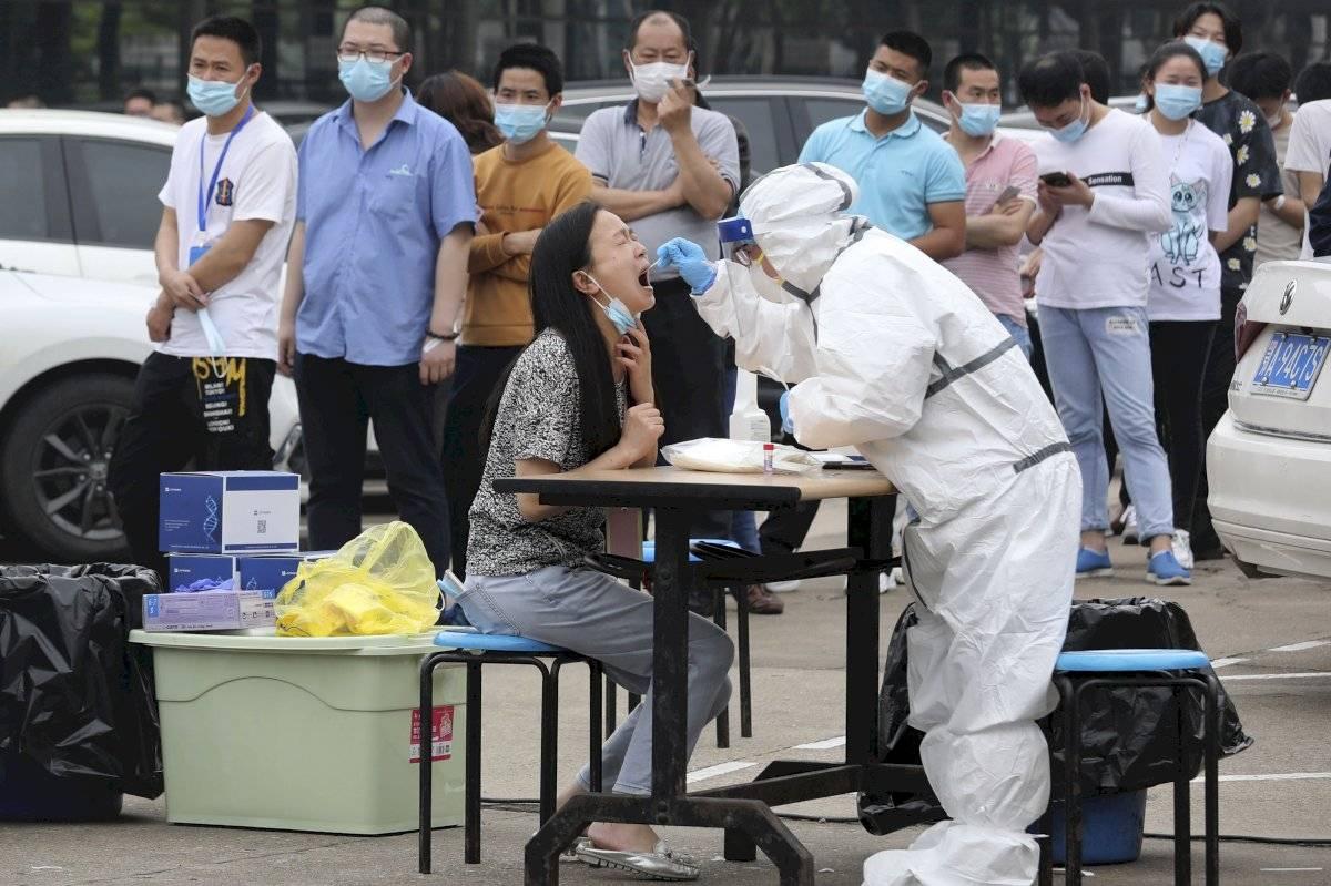 Pruebas masivas en Wuhan, China