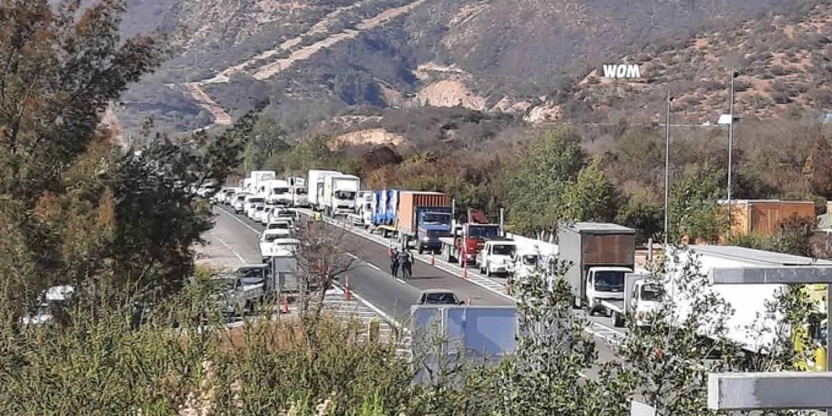 Fiscalización a tope: kilométrico taco en la Ruta 68 a horas de la cuarentena total en el Gran Santiago