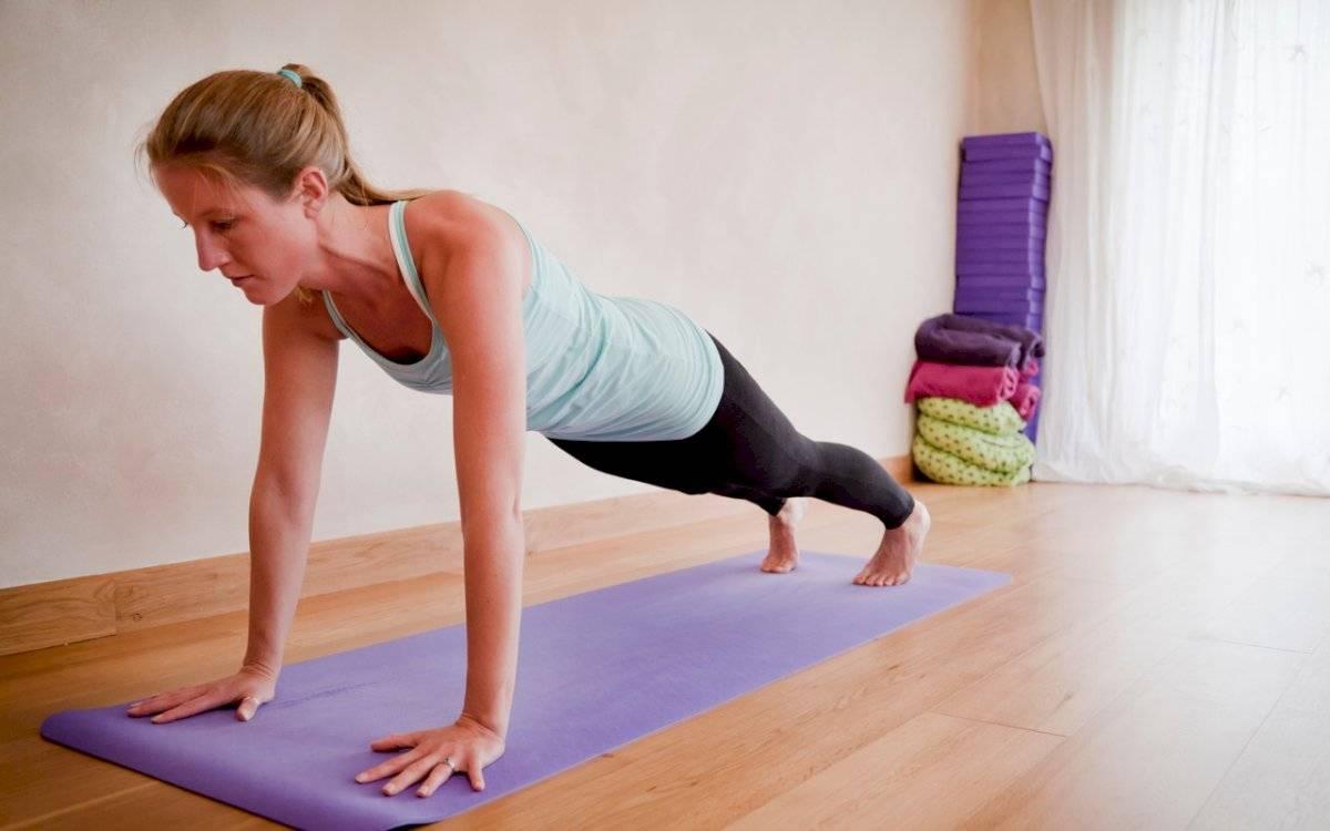 Las flexiones ayudan a tonificar los brazos y los pectorales