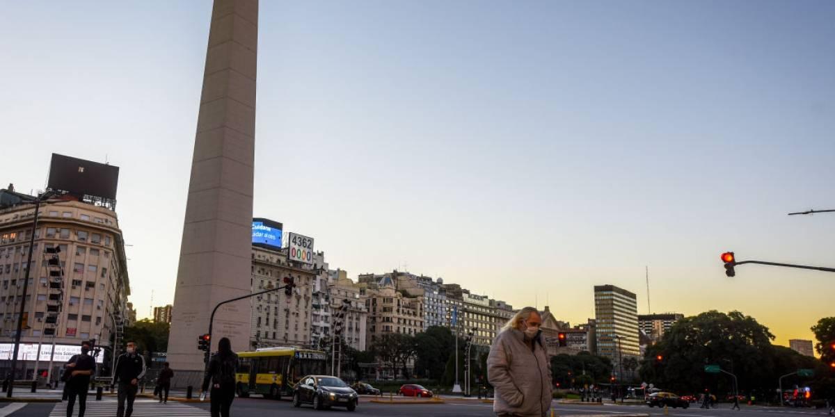 Golpeada por coronavirus y ahora por el dengue: Buenos Aires sufre en medio de su cuarentena total