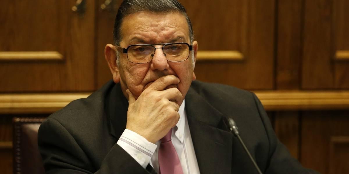 Senador Rabindranath Quinteros va a ser investigado por Fiscalía por viajar al sur sabiendo que era sospechoso de covid-19