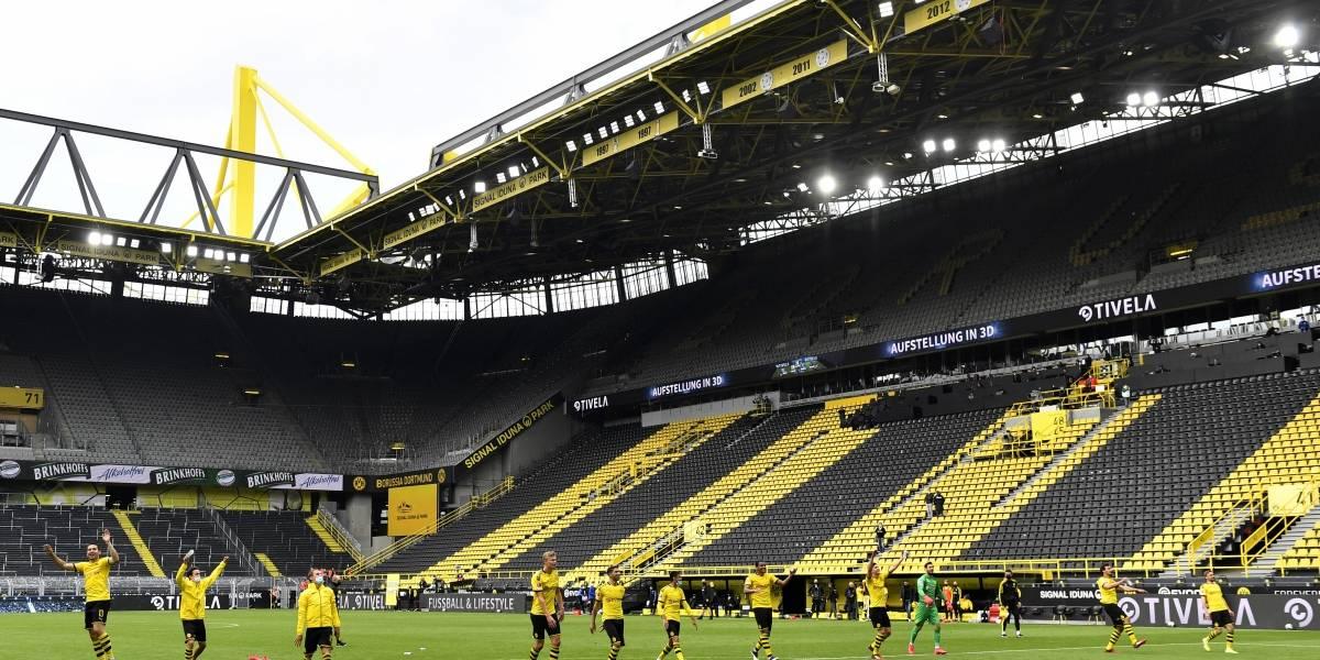 """Reanuda el fútbol alemán con silencio y partidos """"fantasmas"""""""