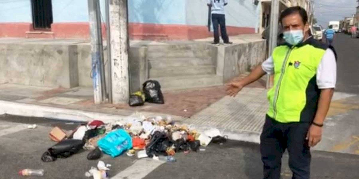 VIDEO. Personas insisten en dejar basura en la vía pública y no entregarla a recolectores