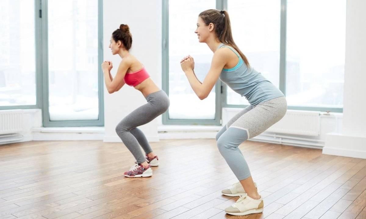 Las sentadillas son los ejercicios que más impacto tiene en las piernas