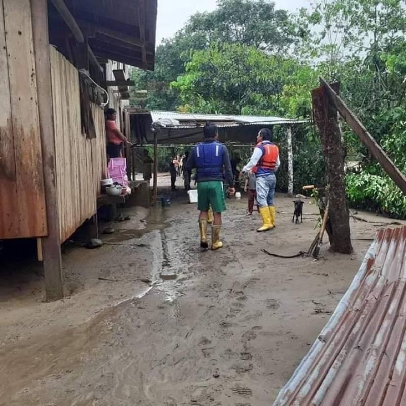 Viviendas afectadas tras desbordamiento de río