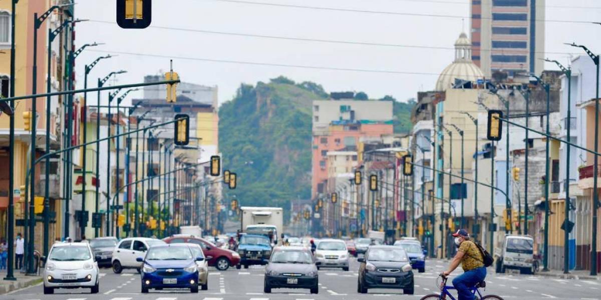 Covid-19: Cynthia Viteri pone reglas a locales comerciales