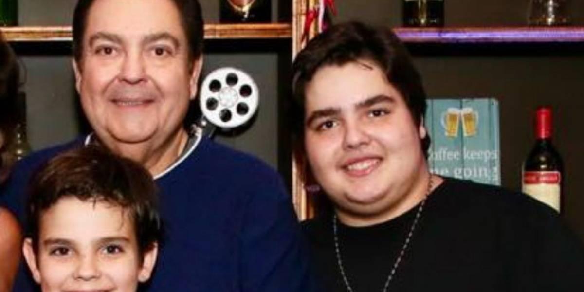 Filho de 16 anos do Faustão faz cirurgia bariátrica