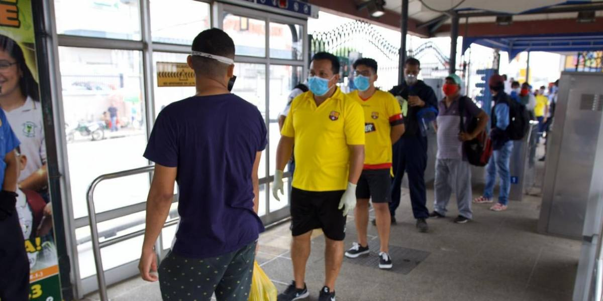 Guayaquil cambia al 'amarillo' con nuevas reglas: toque de queda de 21:00 a 05:00