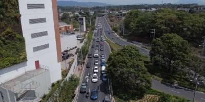 Tránsito vehicular en la tarde del lunes, 18 de mayo de 2020