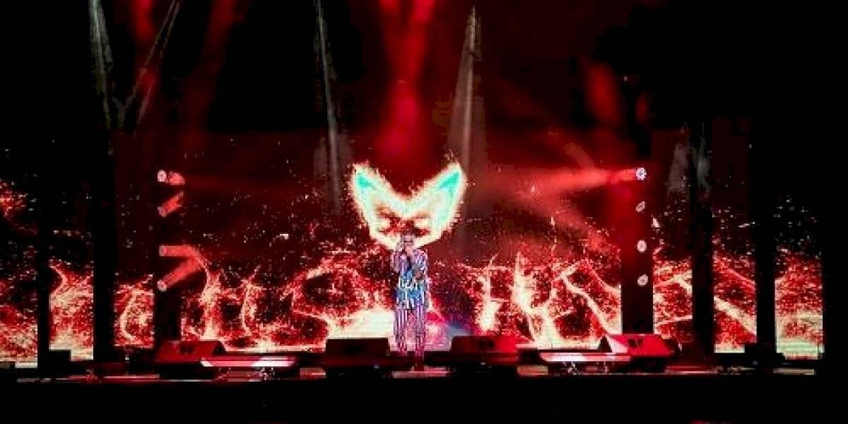 Rauw Alejandro regala a sus fans concierto virtual desde el Choliseo