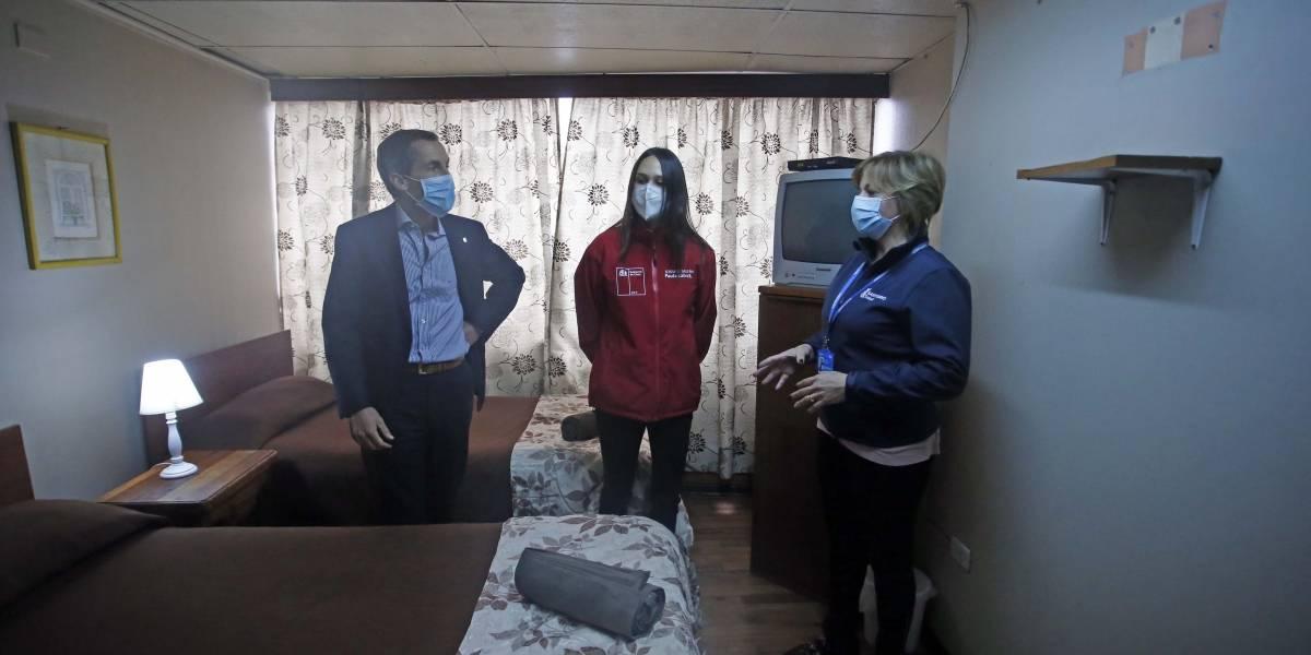 Santiago habilita primer hostal sanitario municipal para vecinos con covid-19