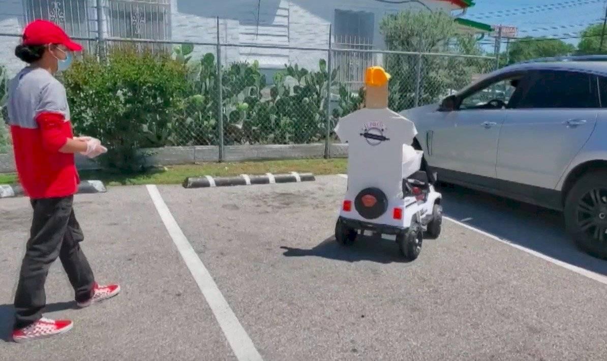 Robot entrega pedidos