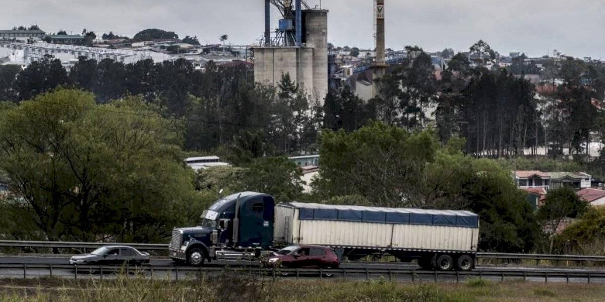 Exportadores centroamericanos critican restricciones de Costa Rica a ingreso de camiones