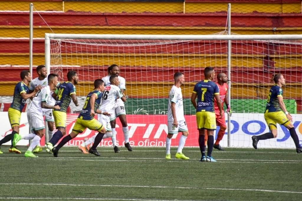 Futbol regresa a Costa Rica con estrictas medidas de bioseguridad