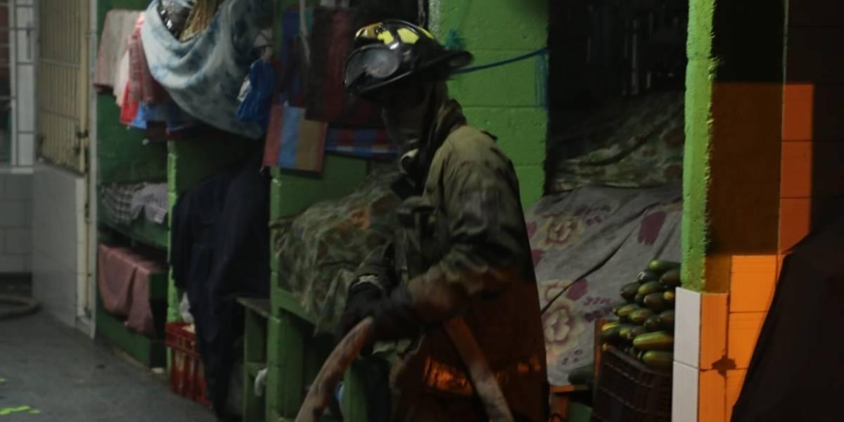 Se registra incendio en mercado Santa Fe, zona 13