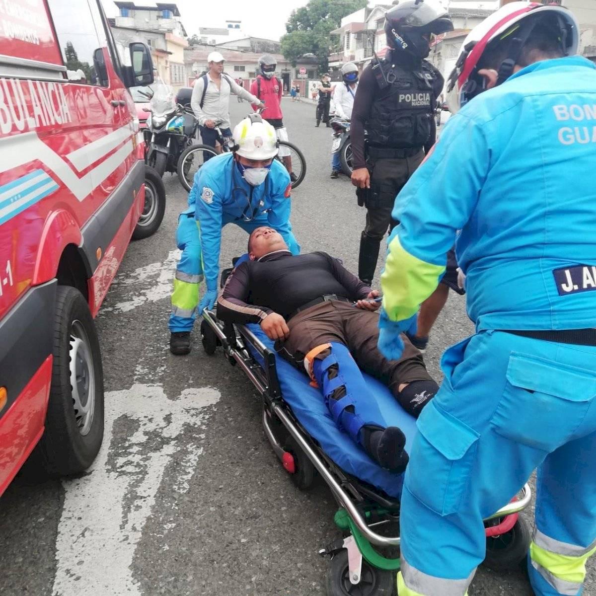 Policía herido tras ser atropellado