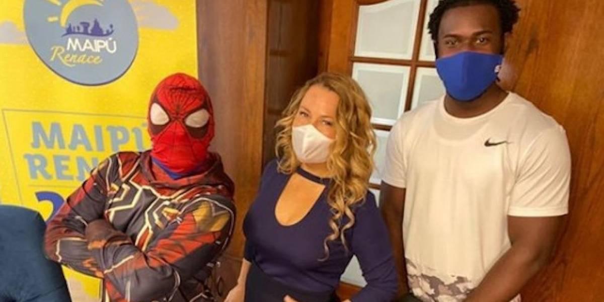 Sensual Spiderman se disculpa por candente video en el que baila con Cathy Barriga