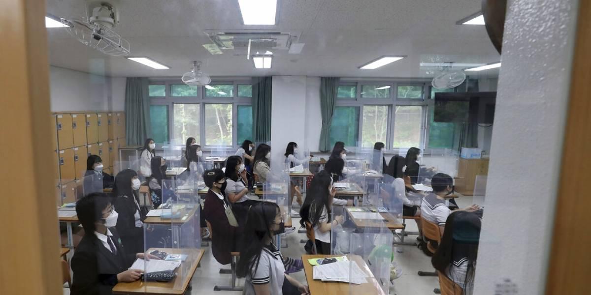 Corea del Sur da un paso atrás ante rebrote: cierra más de 200 escuelas