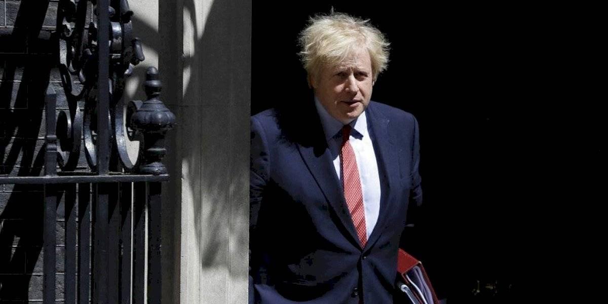 """En la sección """"volteretas"""": Boris Johnson promete más pruebas y sistema de seguimiento de coronavirus"""