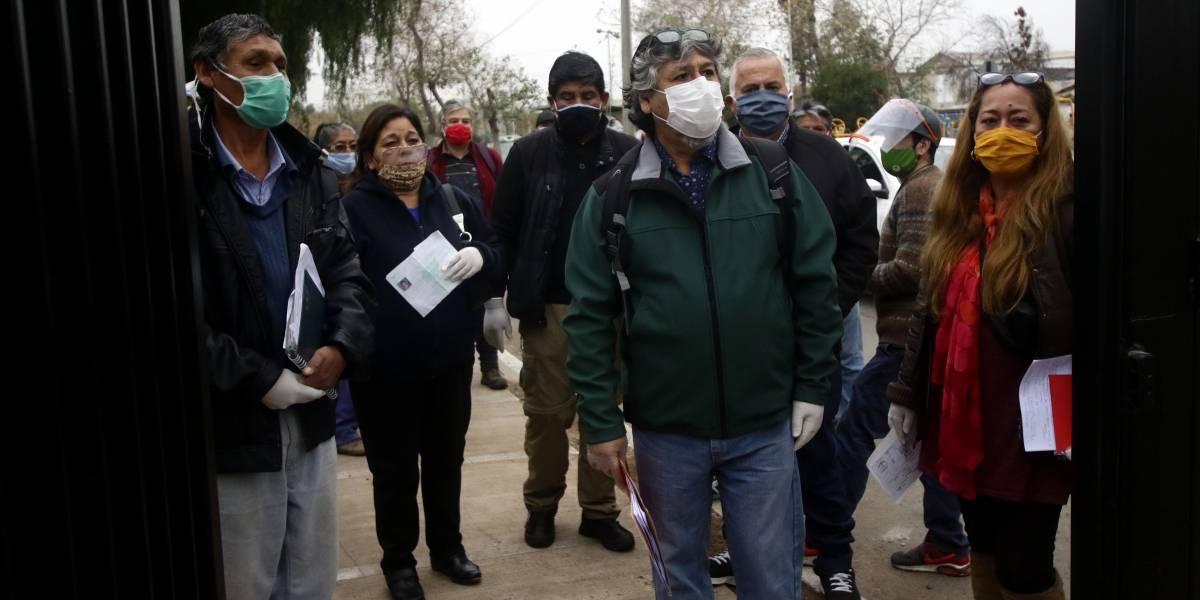 """""""En la comuna de El Bosque hay hambre"""": Feriantes exigen al alcalde que reabra la feria persa de Los Morros"""