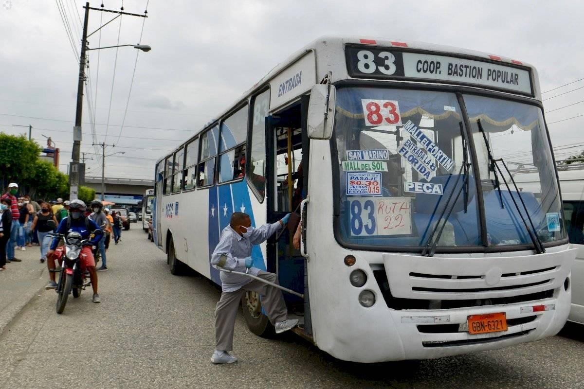 comercio-guayaquil-amarillo-buses