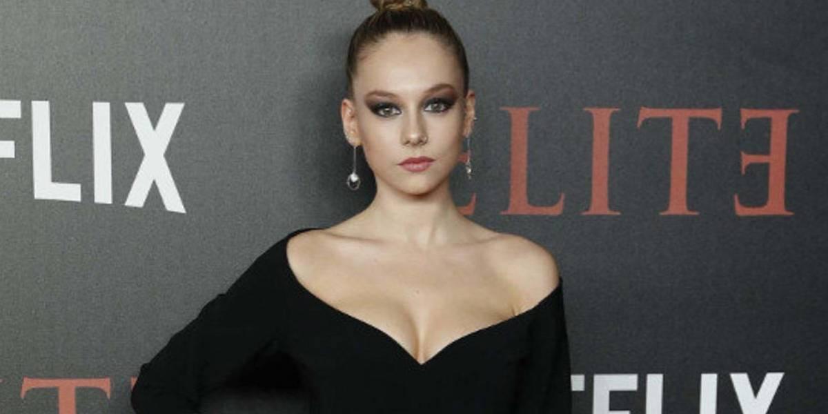Llama la atención el 'look' de Ester Expósito de Élite quien se fue de paseo por Madrid